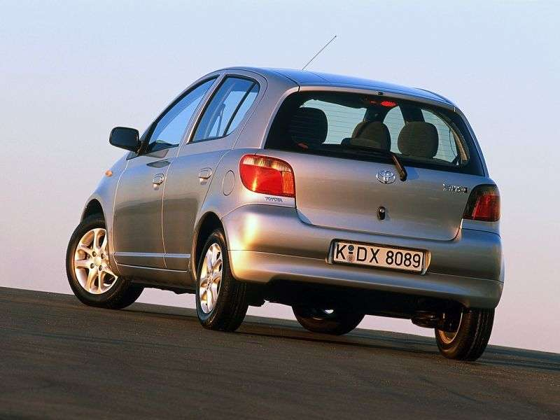 Toyota Yaris P1hetchbek 5 dv. 1.5 AT (2001–2003)