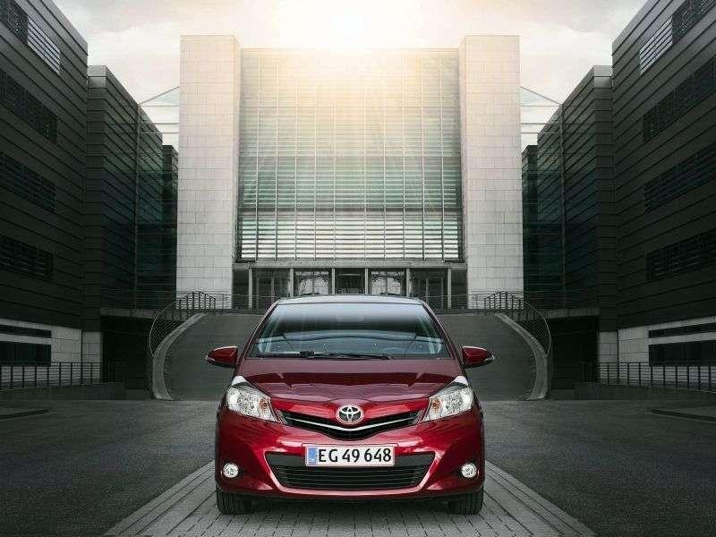 Toyota Yaris Uhetchbek 5 dv. 1.5 AT (2011 – n. In.)