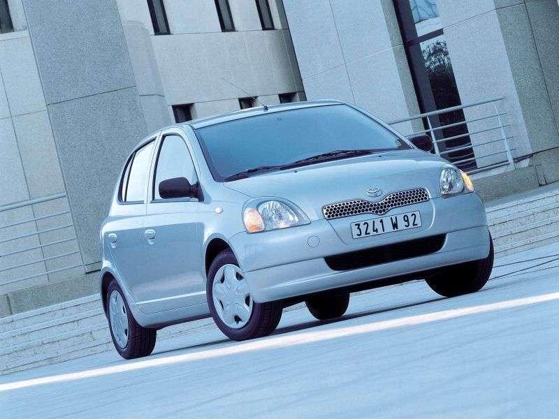 Toyota Yaris P1hetchbek 5 dv. 1.3 MT 4WD (1999–2003)