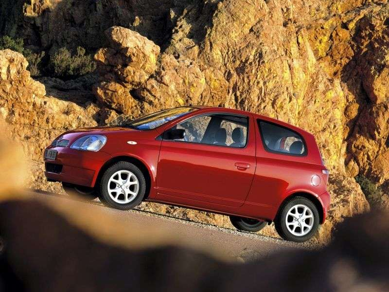 Toyota Yaris P1hetchbek 3 dv. 1.4 D 4D AT (2001–2003)