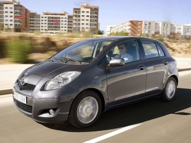 Toyota Yaris XP9 [restyling] hatchback 5 dv. 1.3 MT (2009–2012)
