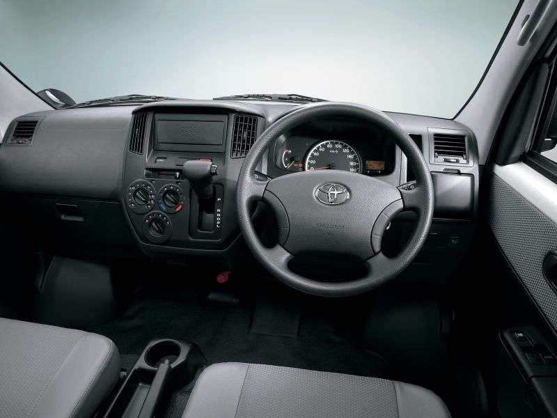Toyota Lite Ace 5th generation pickup 1.5 MT (2008 – n.)