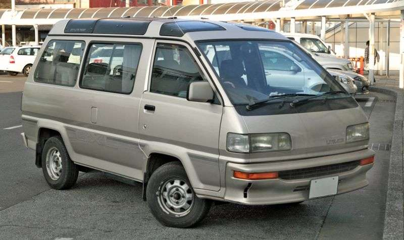 Toyota Lite Ace 3rd generation [restyled] minivan 2.0 AT AWD high roof (1990–1992)