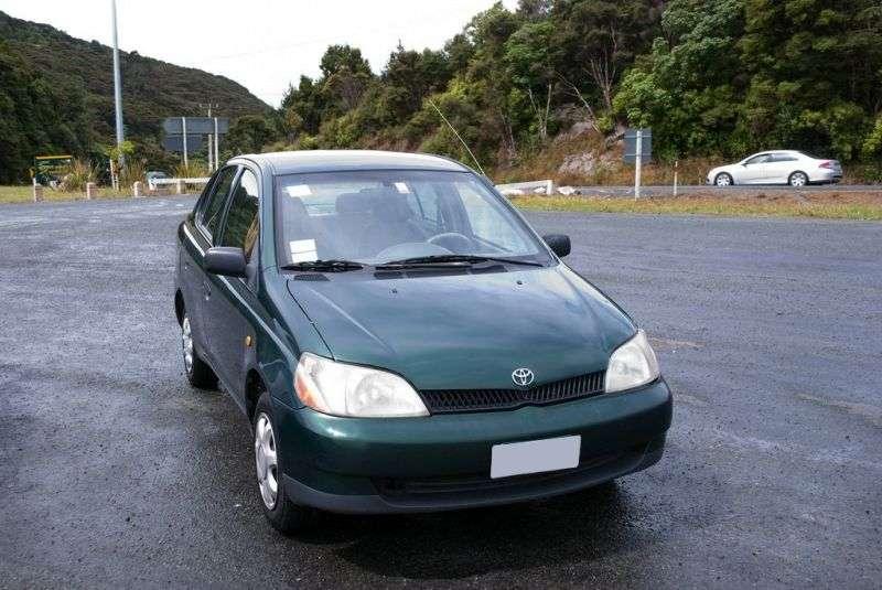 Toyota Echo 1st generation sedan 1.5 AT (1999–2003)