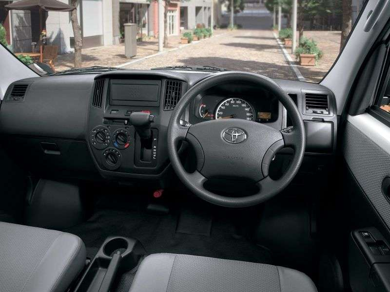 Toyota Lite Ace 5th generation van 1.5 AT (2008 – n. In.)