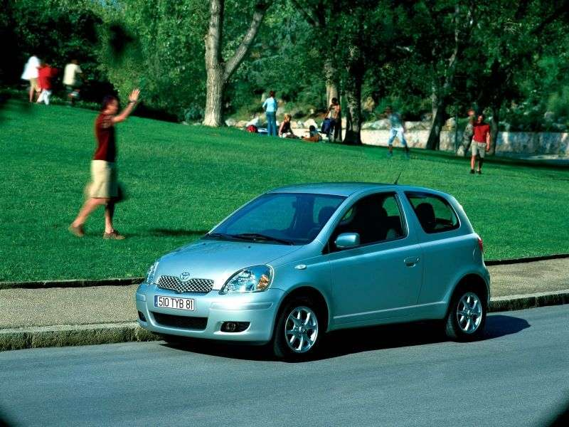 Toyota Echo 1st generation [restyling] 3 bit hatchback 1.5 MT (2003–2005)