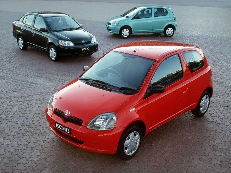 Toyota Echo 1 generation hatchback 3 dv. 1.3 MT (1999–2003)
