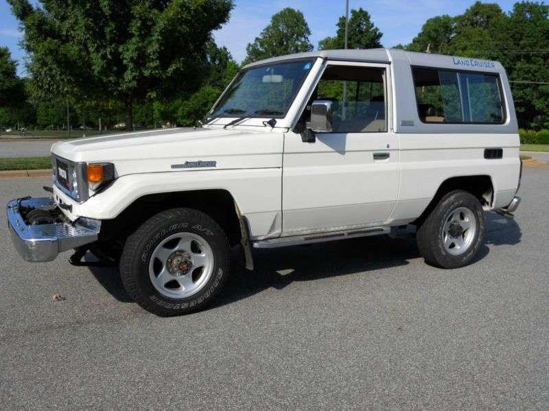 Toyota Land Cruiser J70BJ74V SUV 3 dv. 3.4 D MT (1985–1990)