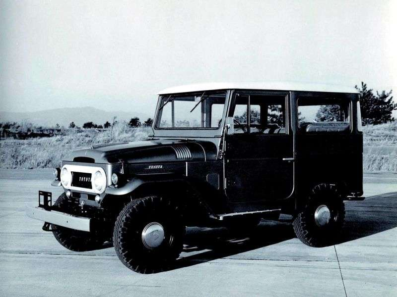 Toyota Land Cruiser J40 / J50FJ40V SUV 3 drzwiowy 3.9 MT AWD (1960 1974)