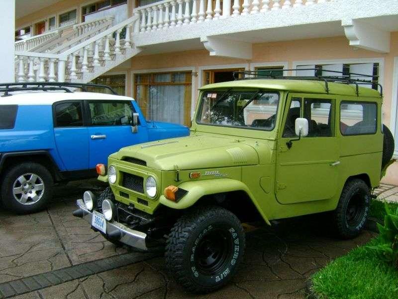 Toyota Land Cruiser J40 / J50FJ40V SUV 3 dv. 3.2 D MT AWD (1974–1984)