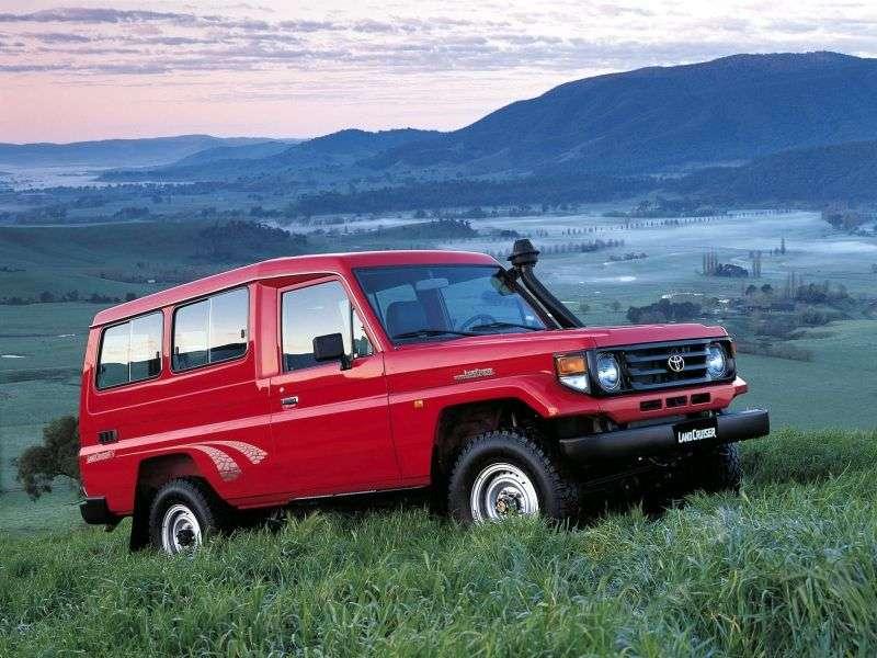 Toyota Land Cruiser J70 [2nd restyling] J78 SUV 3 dv. 4.2 D MT (1999–2007)