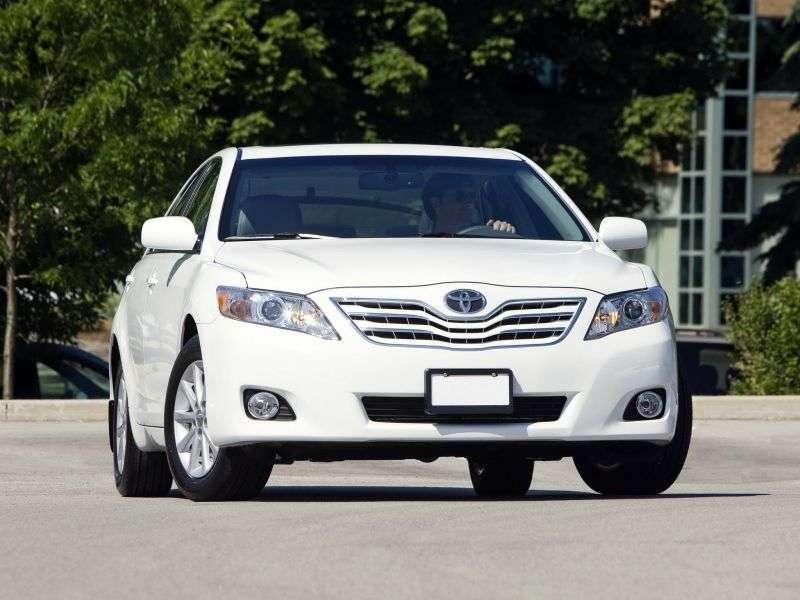 Toyota Camry XV40 [restyling] 4 door sedan 2.5 MT Overdrive (2010–2011)