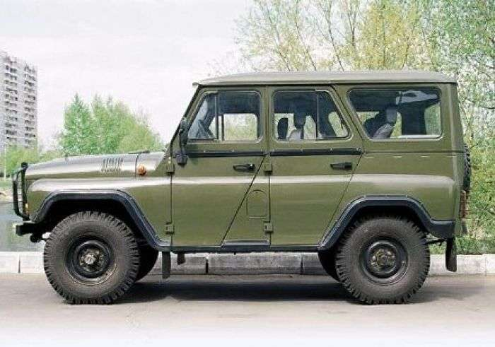 UAZ 3151 1st generation SUV 2.45 MT 31514 (1993–2003)