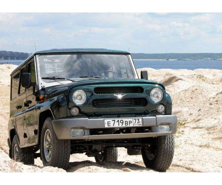UAZ Hunter 1st generation SUV 2.7 MT 4WD Trophy (2013) (2003 – present)