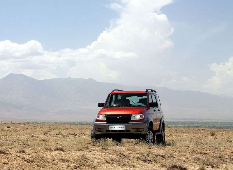 UAZ Patriot 1st generation SUV 5 bit 2.7 MT 4WD Limited 347 (2005–2012)