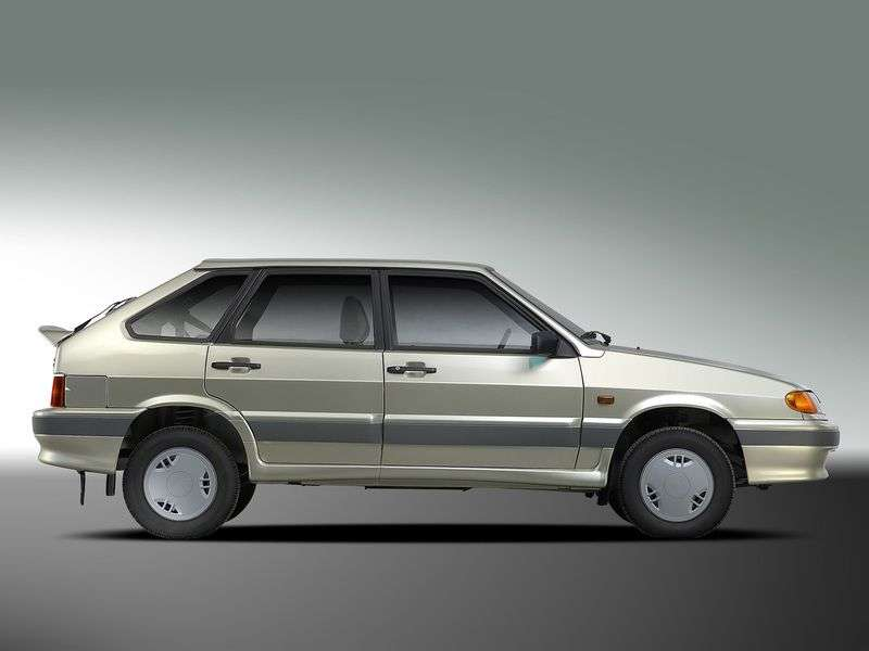 VAZ (Lada) 2114 1st generation hatchback 5 bit. 1.5 MT (2001–2007)