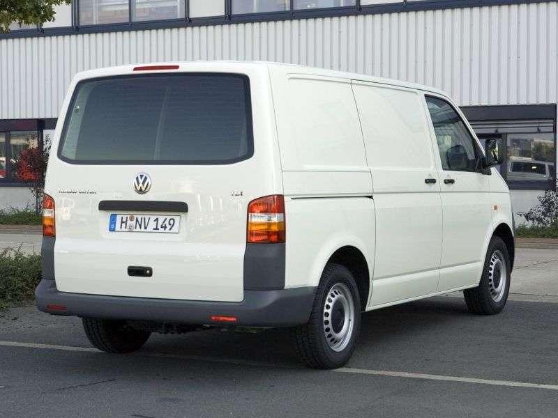 Volkswagen Transporter T5Kasten 4 door van. 2.5 TDI Kasten 4motion L AT (2004–2009)