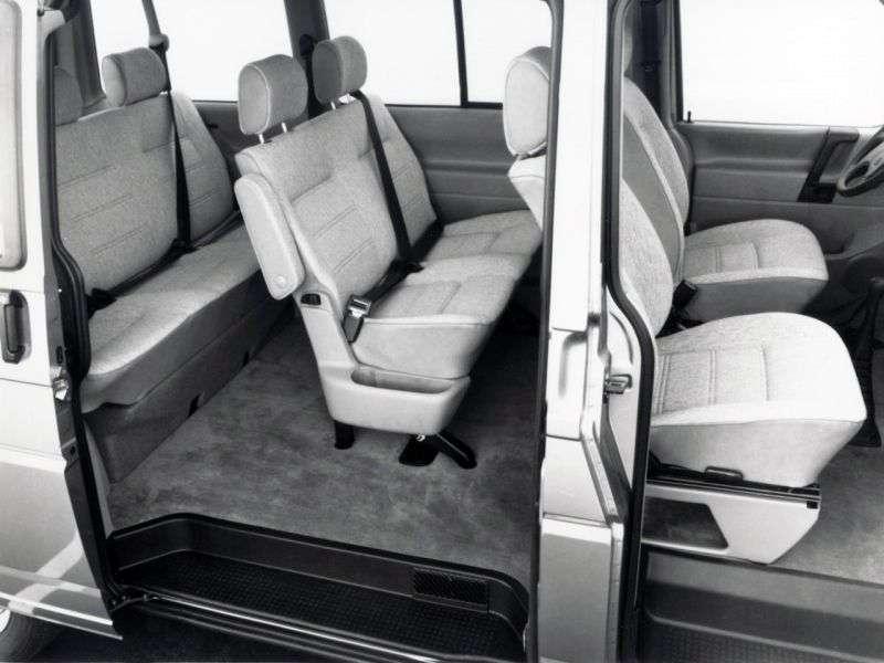 Volkswagen Transporter T4Minibus 2.4 D MT (1990 1998)
