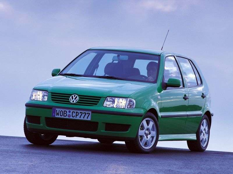 Volkswagen Polo 3rd generation [restyling] hatchback 5 dv. 1.4 MT (2000–2002)