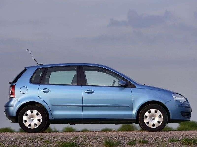Volkswagen Polo 4 generation [restyling] hatchback 5 dv. 1.4 MT (2006–2009)