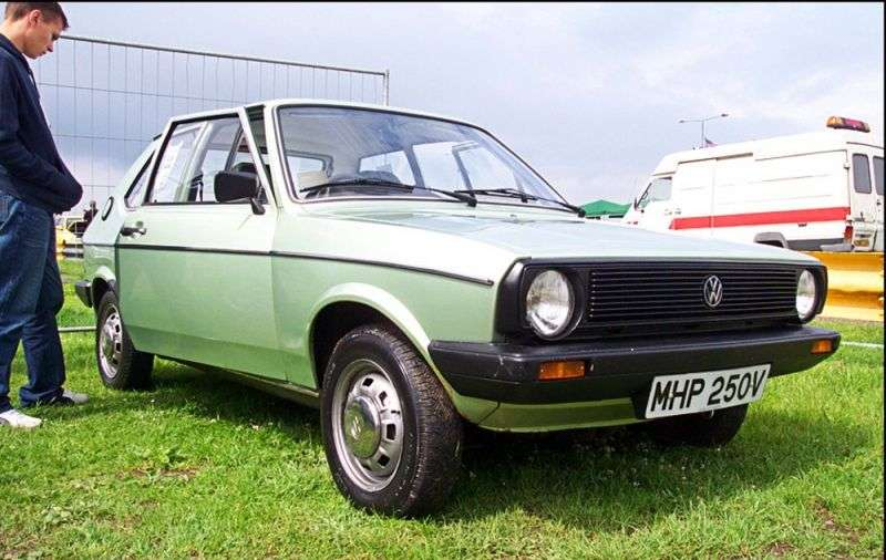 Volkswagen Polo 1st generation [restyled] hatchback 0.9 L MT (1979–1981)