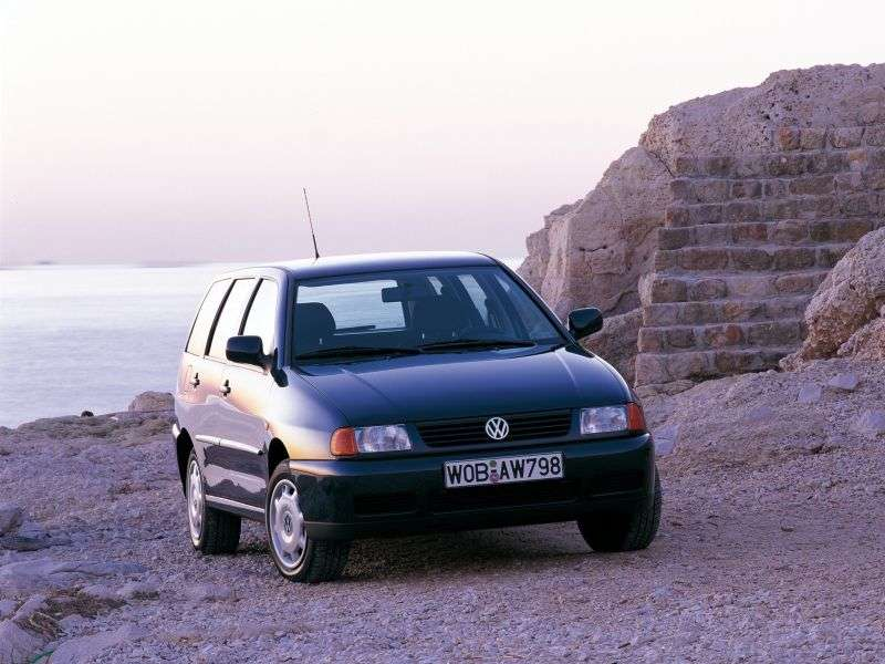 Volkswagen Polo 3rd generation Variant 1.6 AT (1999–2001)