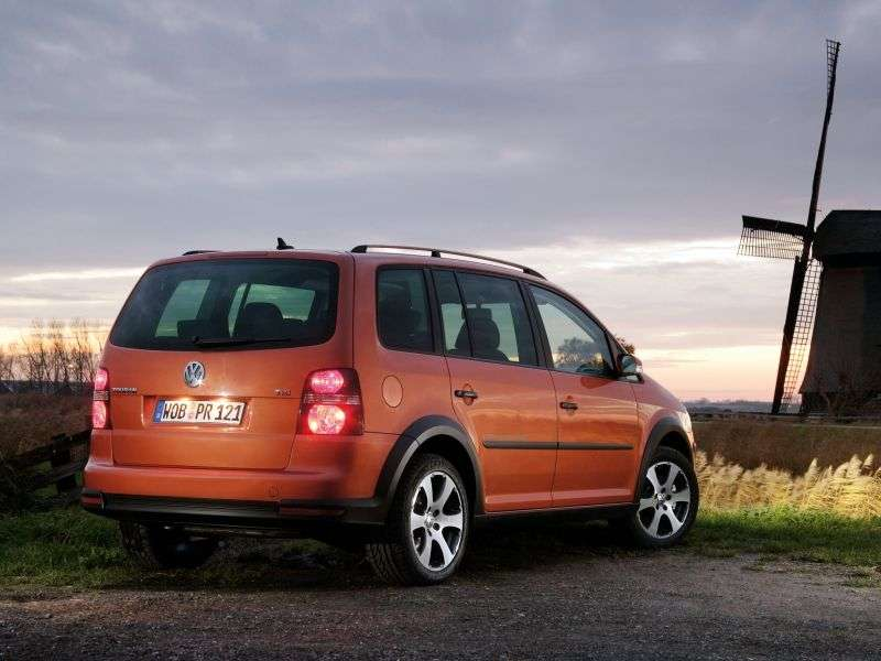 Volkswagen Touran 2nd generation Cross 5 minivan minivan 2.0 TDI MT (2006–2010)
