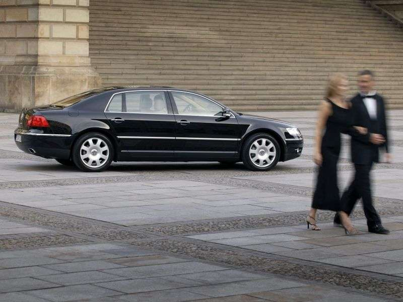 Volkswagen Phaeton 1st generation sedan 4.2 4Motion AT (2003–2006)
