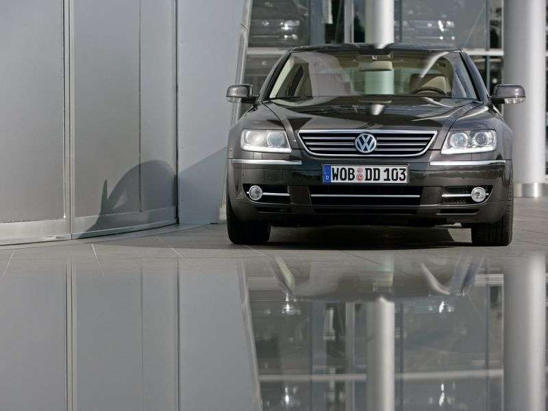 Volkswagen Phaeton 1st generation [restyling] sedan 3.6 4Motion AT (2007–2010)