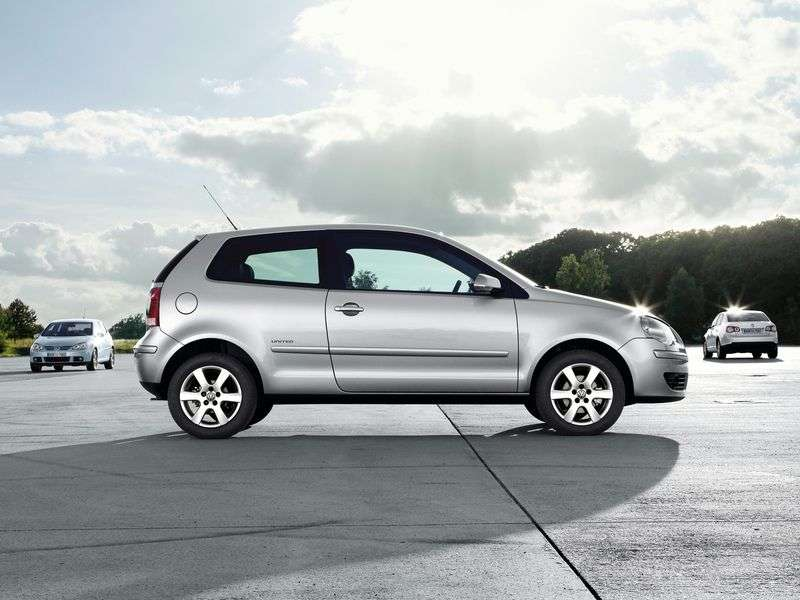 Volkswagen Polo 4 generation [restyling] 3 dv hatchback 1.6 MT (2005–2009)