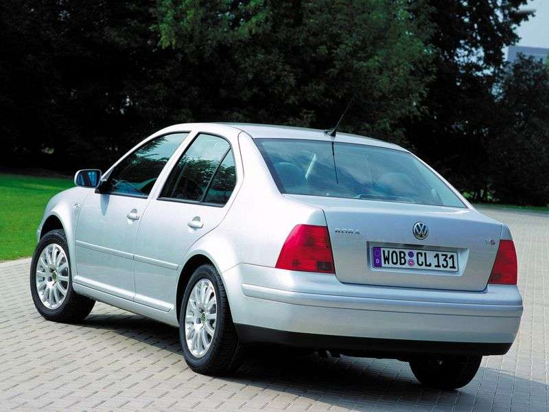 Volkswagen Bora 1st generation 1.9 TDI sedan AT (2000–2004)