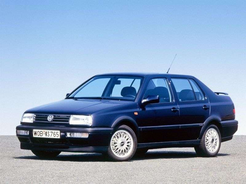 Volkswagen Vento 1st generation sedan 2.0 AT (1992–1998)