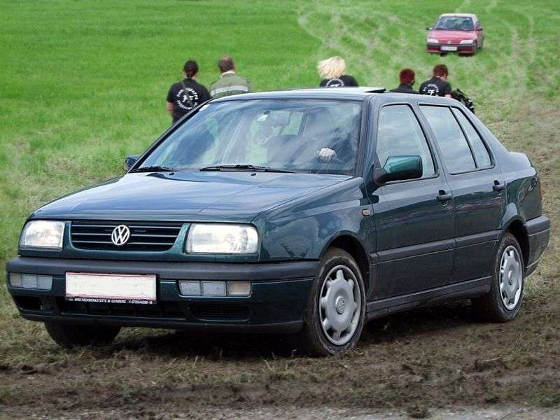 Volkswagen Vento 1st generation sedan 1.8 AT (1992–1998)