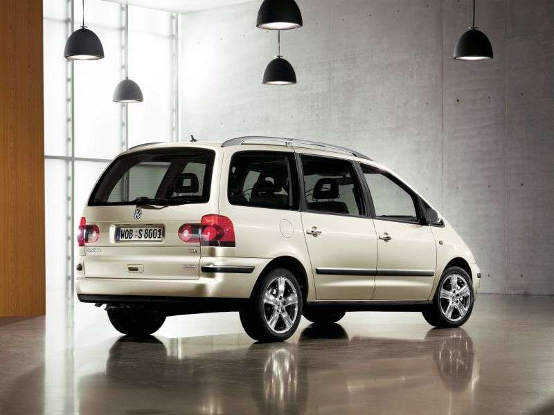Volkswagen Sharan 1st generation [2nd restyling] minivan 2.8 MT (2003–2010)