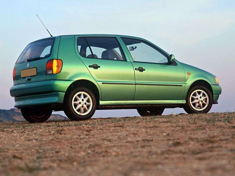 Volkswagen Polo 3 generation hatchback 5 dv. 1.0 MT (1994–1996)