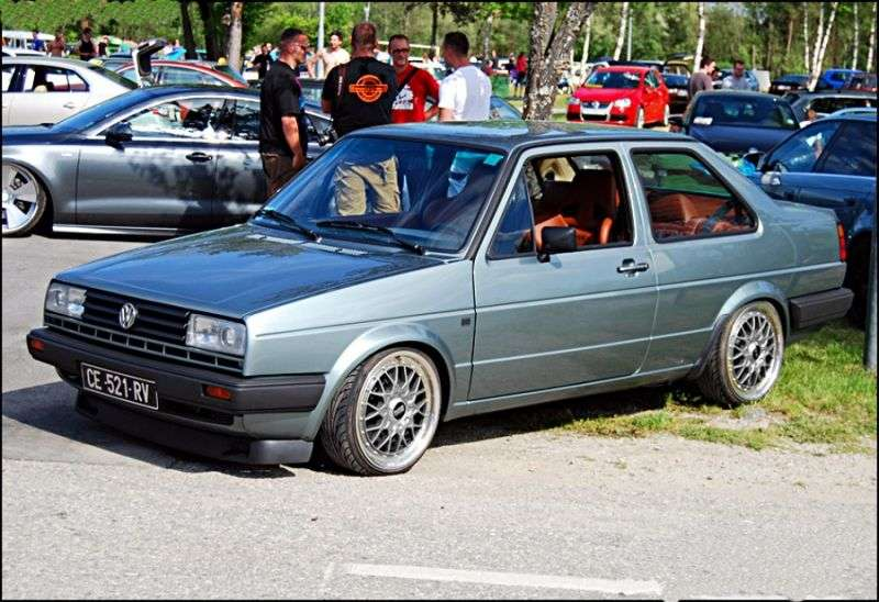 Volkswagen Jetta 2 generation sedan 2 doors. 1.6 MT (1984 1987)