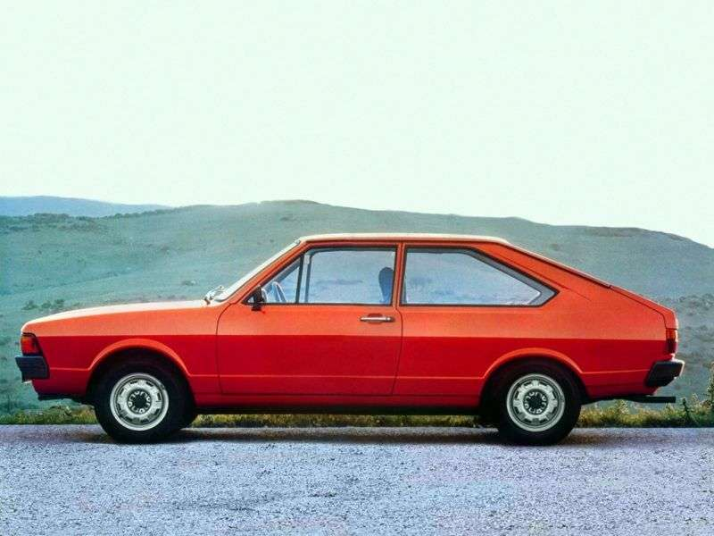Volkswagen Passat B1 [restyling] fastback 2 dv. 1.6 MT (1977–1981)