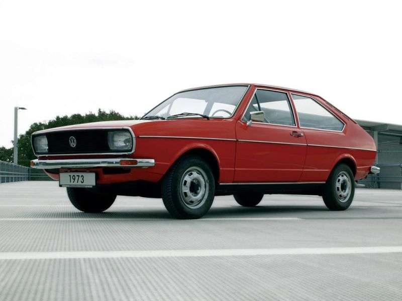 Volkswagen Passat B1fastback 2 dv. 1.3 MT (1973–1977)