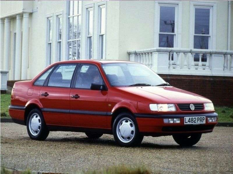 Volkswagen Passat B4 sedan 1.9 TDI MT (1993–1997)