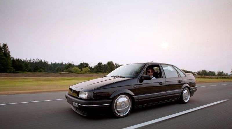 Volkswagen Passat B3sedan 1.9 D MT (1989–1993)