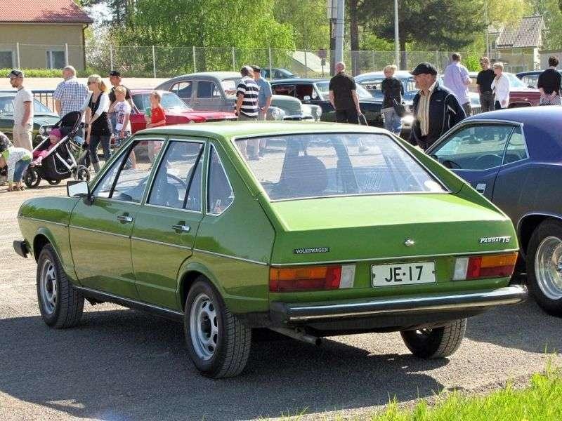 Volkswagen Passat B1fastback 4 drzwiowy 1,3 mln ton (1973 1977)