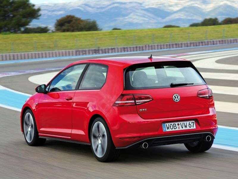Volkswagen Golf 7 generation GTI hatchback 3 dv. 2.0 TSI BlueMotion DSG Basic (2013 – current century)