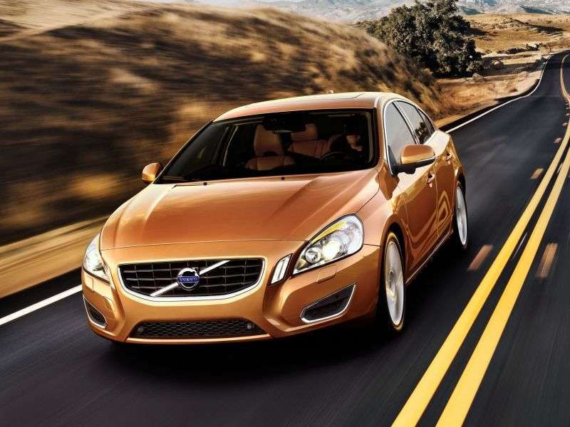 Volvo S60 2nd generation sedan 2.4 D5 Geartronic AWD Kinetic (2010–2013)