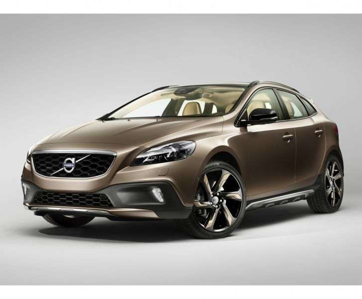 Volvo V40 2nd generation Cross Country 5 in hatchback. 2.5 T5 Geartronic AWD Momentum (2013) (2012 – current century)