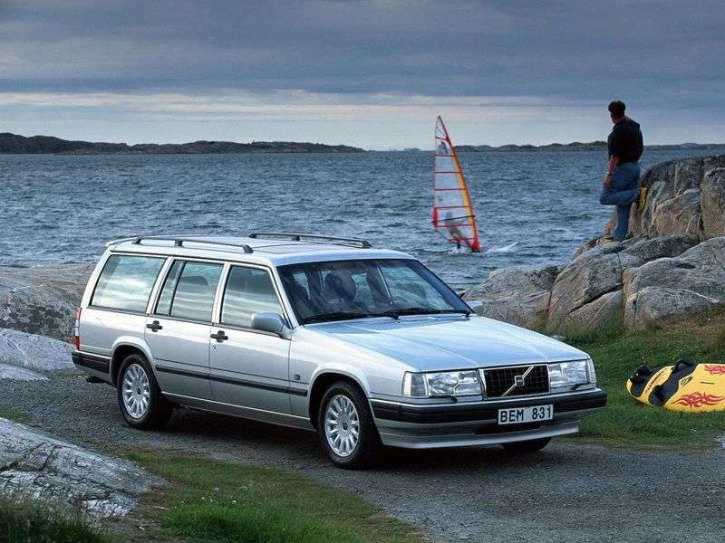 Volvo 940 1st generation wagon 2.0 T MT (1990–1994)