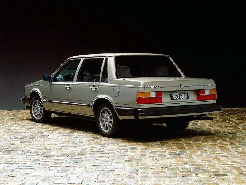 Volvo 760 1st generation 2.4 MT sedan (1985–1990)