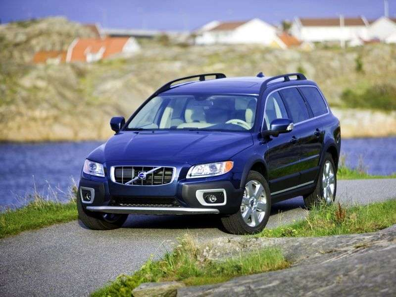 Volvo XC70 3rd generation wagon 2.4 D4 Geartronic Turbo AWD Momentum (2013) Special Series (2007–2013)