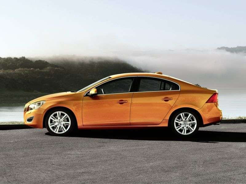 Volvo S60 2nd generation sedan 1.6 T3 MT Base (2012) (2010–2013)