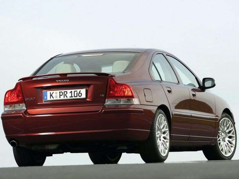 Volvo S60 1st generation [restyled] sedan 2.4 AT (2004–2010)