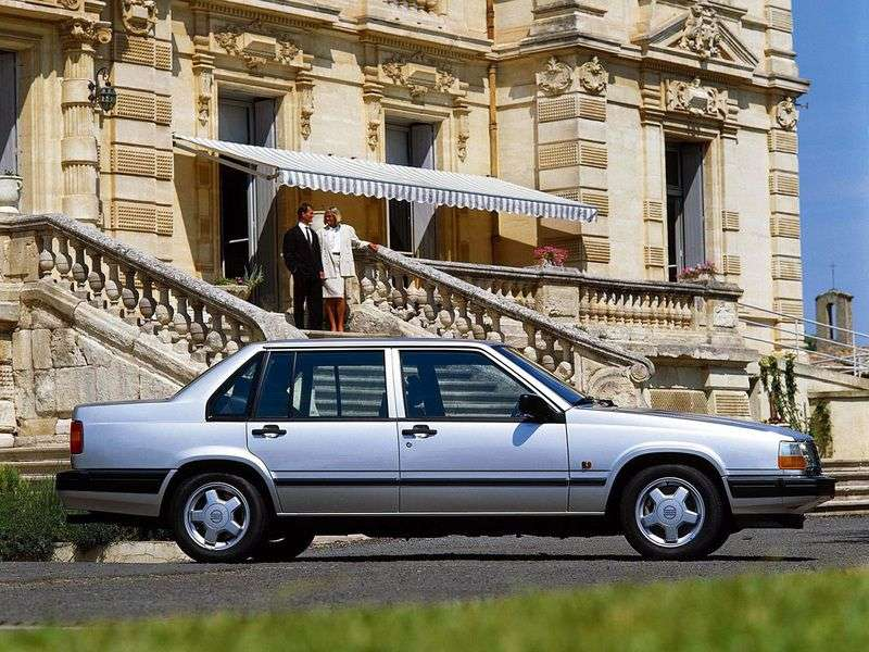 Volvo 940 1st generation sedan 2.4 TD AT (1992–1998)